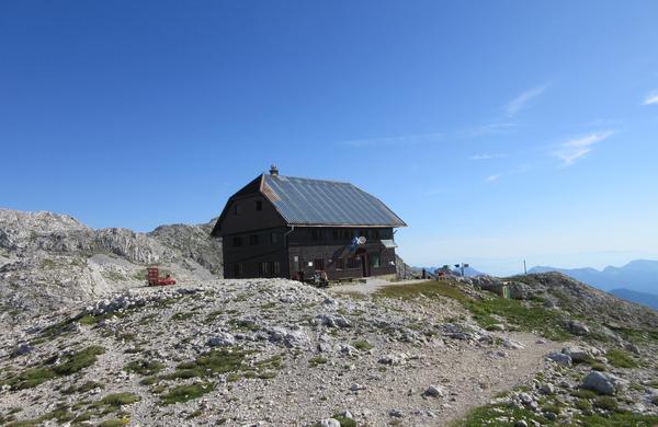 Dom Valentina Staniča pod Triglavom