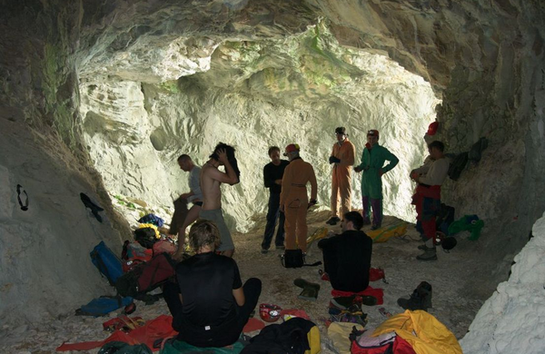 Slovenski jamarji odkrili najdaljšo jamo v Albaniji