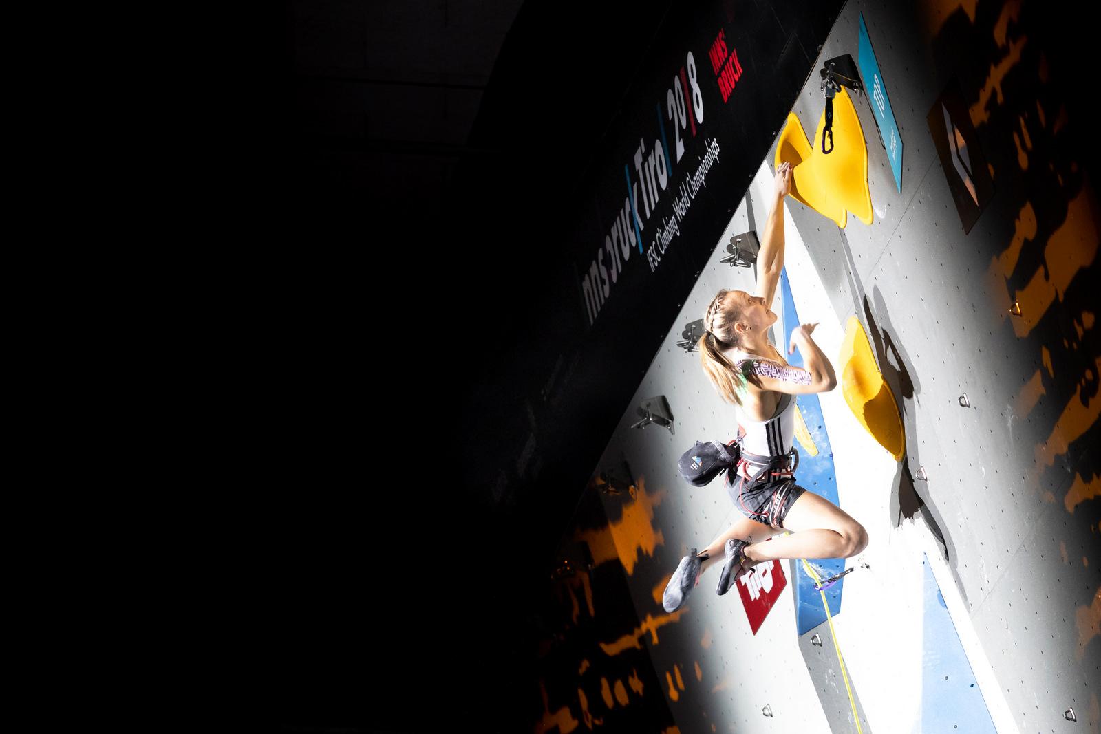Janja Garnbret srebrna na svetovnem prvenstvu, Domen Škofic končal na 5. mestu