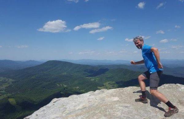 Potopisni roman Apalaška pot: 3.500 kilometrov hribov in Amerik