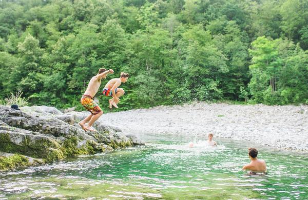 Poletna ohladitev: Najlepša naravna kopališča v Sloveniji