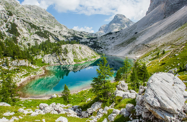Veste razlog zakaj se ne smete kopati v zaščitenih vodah Triglavskega narodnega parka?
