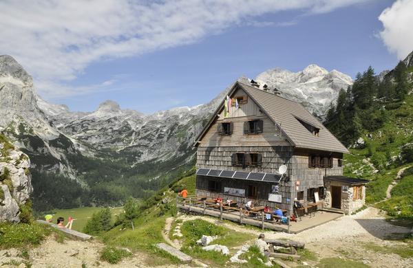 Katere slovenske planinske koče so letos najbolje obiskane?