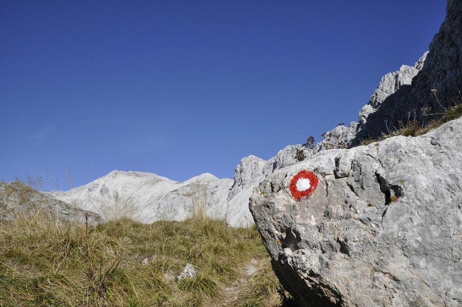 Nova zgibanka vam bo pomagala pri osvajanju Slovenske planinske poti