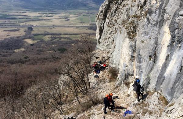 Poziv ljubiteljem gora: Odpovejte se goram in se ne izpostavljajte tveganju