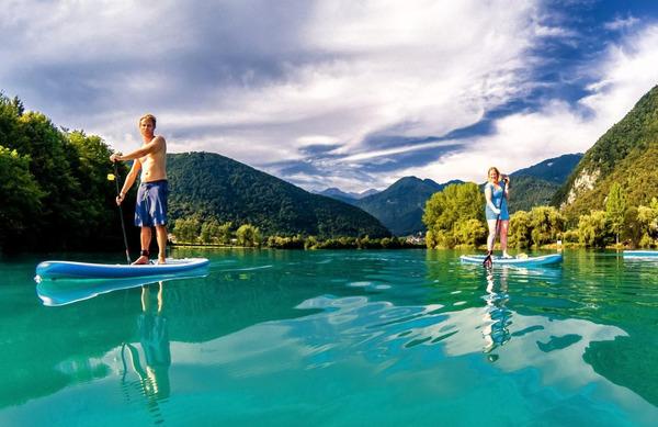 Kam supati v Sloveniji? 40 čudovitih lokacij, ki jih je vredno raziskati to poletje!