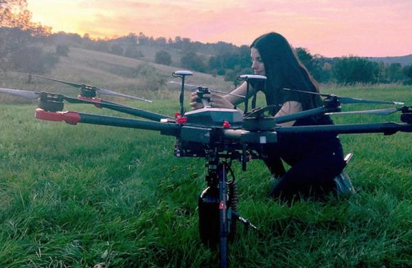 Z droni želijo posaditi bilijon dreves