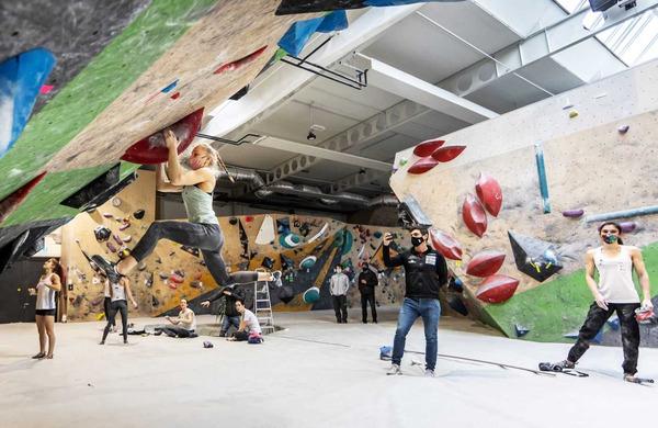 Športni plezalci pred tekmami svetovnega pokala močno motivirani
